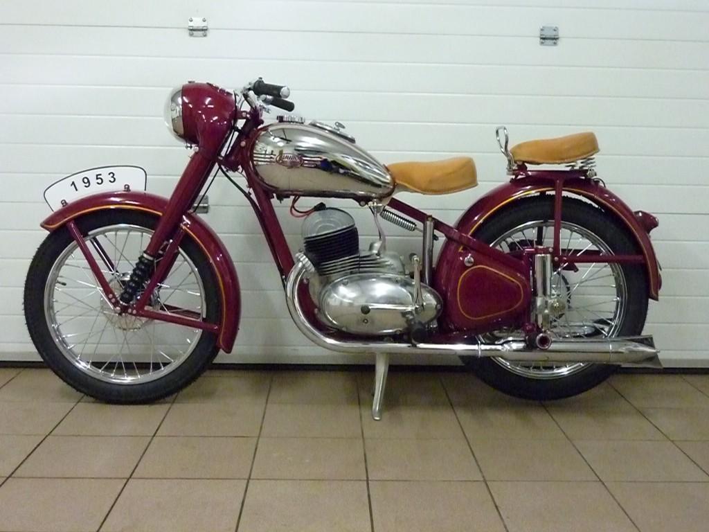 Motocykl, levobok