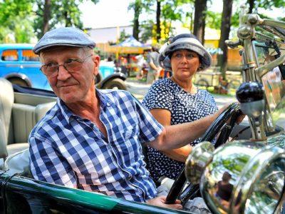 Proběhla soutěž elegance historických vozidel v Bohumíně